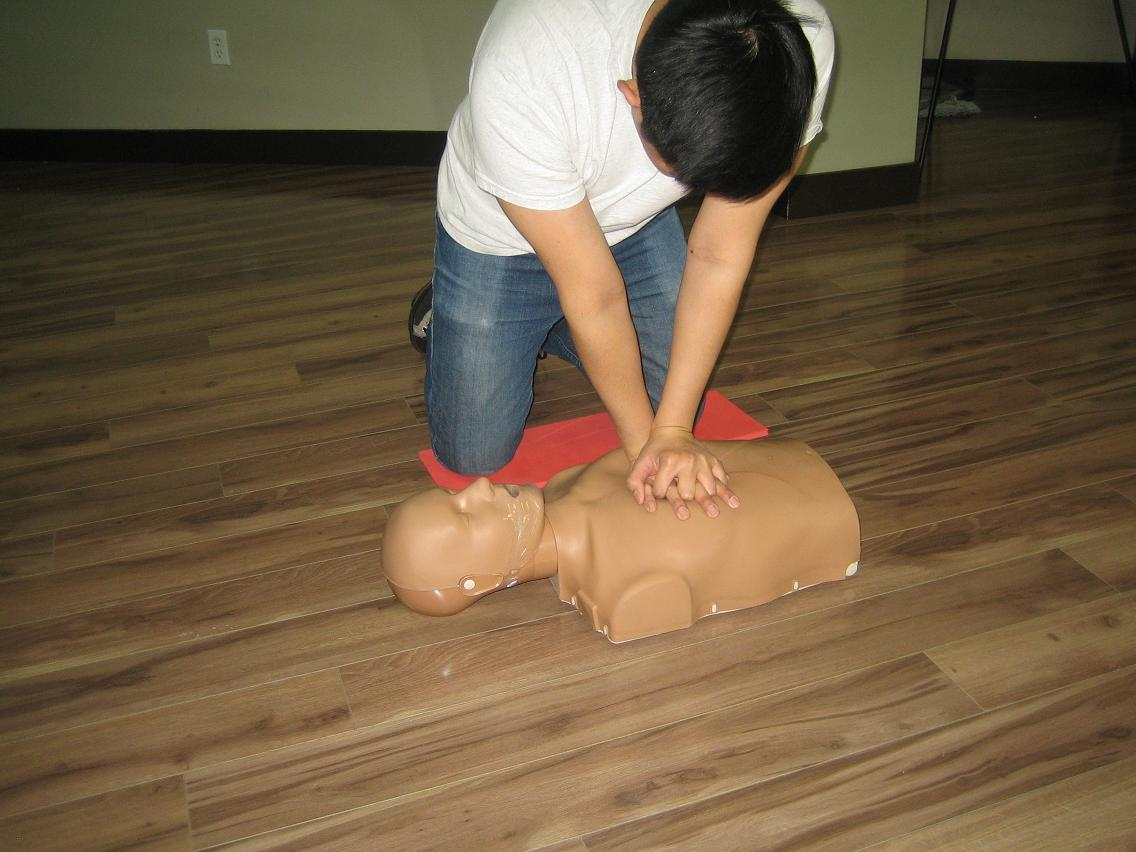 Standard first aid re certification cpr winnipeg workplace approved standard first aid and cpr re certification in winnipeg xflitez Images