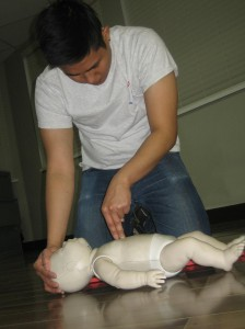Emergency first aid and CPR re-certification in Winnipeg